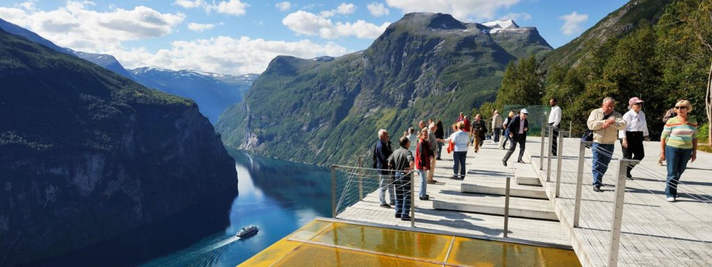 In 2026, Norwegian fjords will be banned from polluting ships