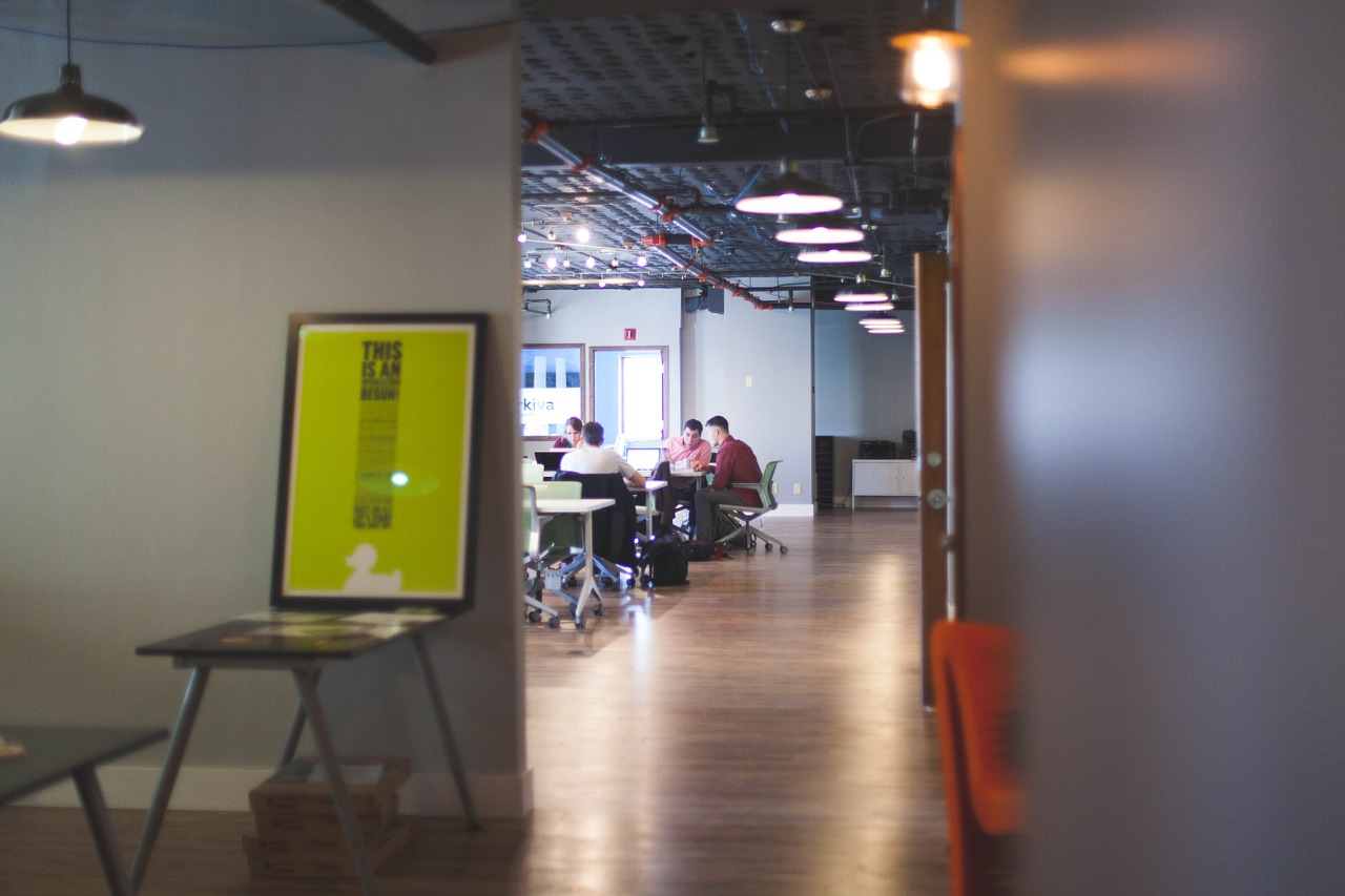 מה בודקים וממה נזהרים לפני הובלת משרד – כל הטריקים והפתרונות