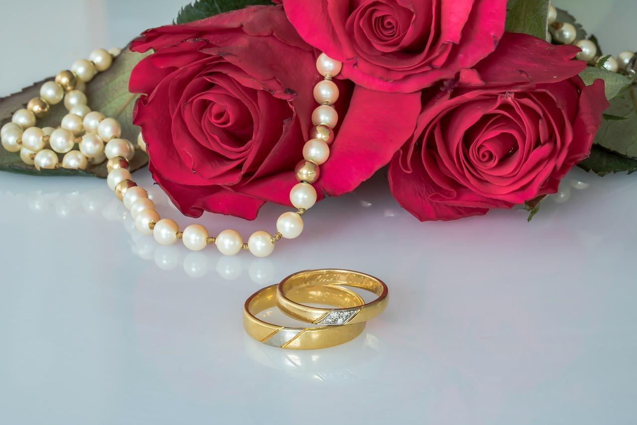 חריטה על טבעת