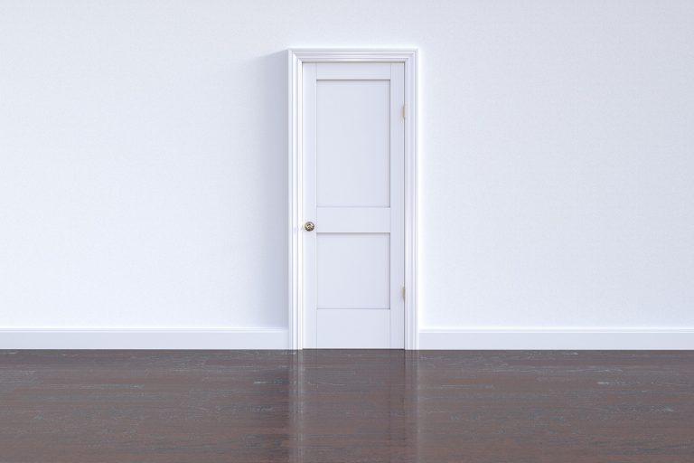 דלת חדשה