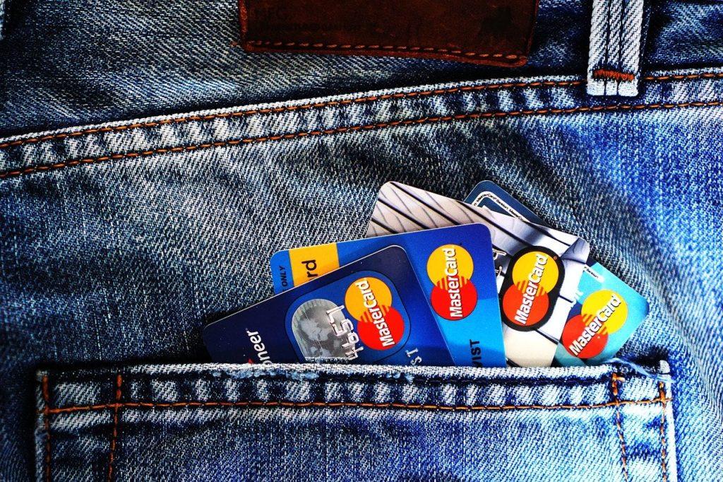 כרטיסי אשראי בכיס
